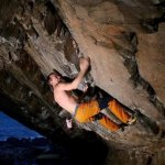 "Dave MacLeod in ""Lithium"" bouldern in Schottland"