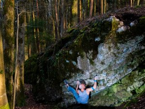 Maik Urbczat bouldering in Osterspaziergang - Picture-Urbczat
