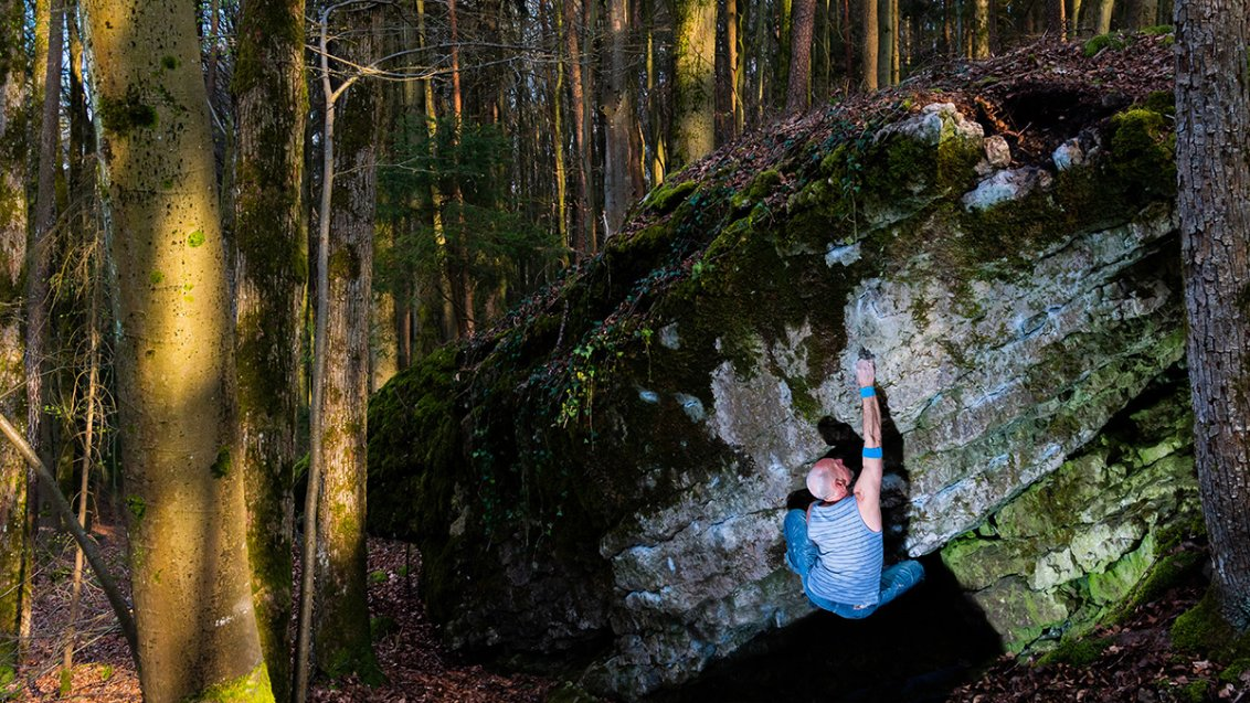 "Maik Urbczat bouldering in ""Osterspaziergang""- Picture-Urbczat"